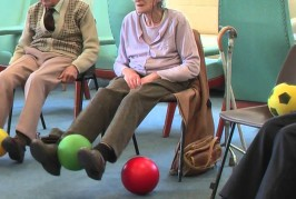 Video clip showing the ETB gaitAGE Elderly Falls Prevention System for professionals (English)