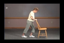 Video of standing strength and balance exercises for Older Adults (English)